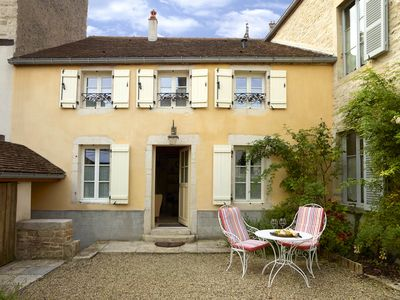 Photo for Chez Hall, La Petite Maison 17th c charmimg Cottage, Meursault village, sleeps 2