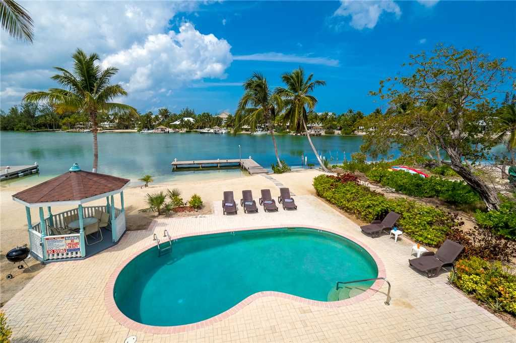 Authentic caymanian villa on a serene inlet