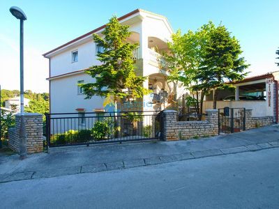 Photo for Apartment 841/1989 (Istria - Pula), Family holiday, 900m from the beach