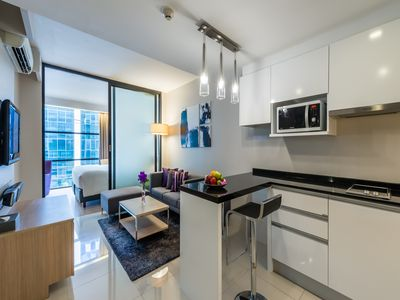 Photo for 1 BR Deluxe, Terminal 21, BTS Asoke,Wifi