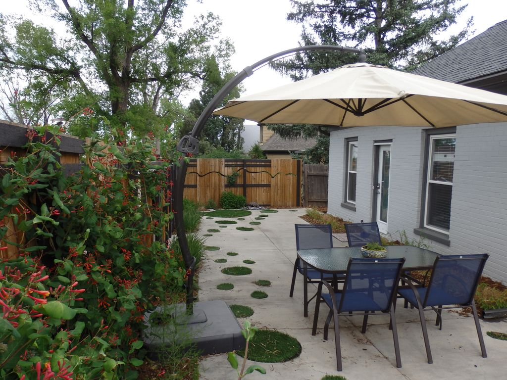 Downtown mid century modern great winter rates inquire for Modern homes colorado springs