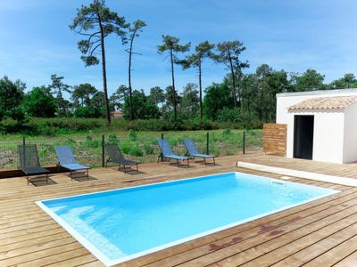 Photo for Vacation home Les Alyzés (MVT240) in Montalivet - 12 persons, 5 bedrooms