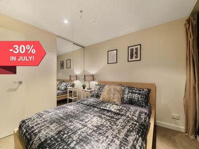 Photo for A Cozy 2BR Apt Near Bourke St Mall & Chinatown