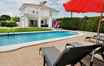 Photo for 3 bed villa with private pool, internet,beach shops & restaurants close by.