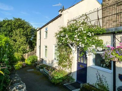 Photo for ROCK COTTAGE, pet friendly, with a garden in Winster, Ref 955895