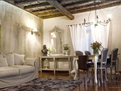 Photo for Your warm Decor and elegant 3 rooms apt in the real heart of Rome
