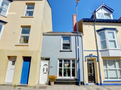 Photo for Deceptively spacious and characterful seaside townhouse. Located in Aberystwyth and only a minutes w