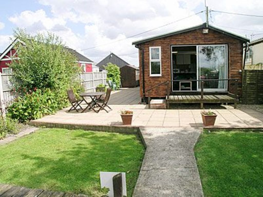 2 Bedroom Property In Brundall Pet Friendl Homeaway