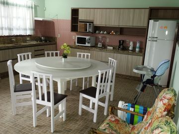 HOUSE IN THE PENHA FOR 20 PEOPLE NEXT TO THE PARK BETO CARRERO WORLD