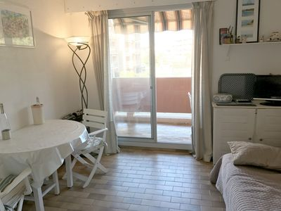 Photo for FAVIERE -A 50M FROM THE BEACH. in residence with swimming pool and tennis. PRETTY 2PIECES