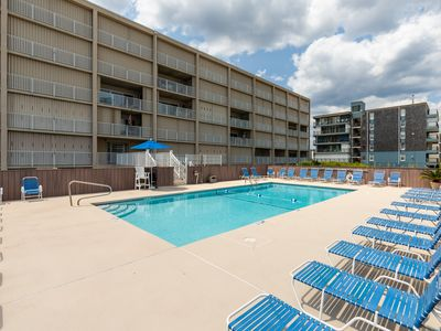 Photo for Cozy, waterfront condo w/ a shared pool & direct beach access