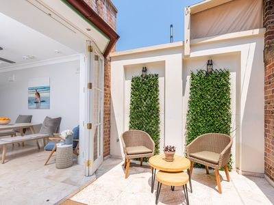 Photo for Charming Surry Hills House on Bourke