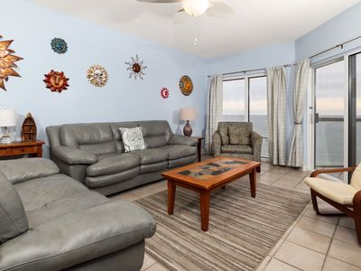 Photo for Beautiful Unit Sleeping 4! Great Amenities, Direct Beach Access, Nearby Shopping and Dining!