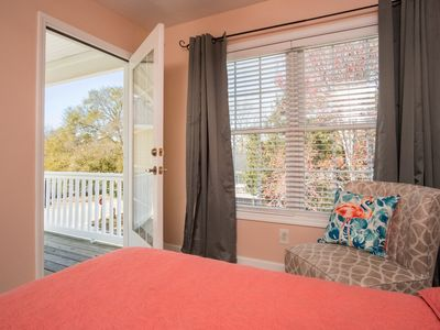 Photo for Great for families and large groups! *Linens included, walk to the beach*