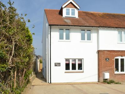 Photo for 2 bedroom accommodation in Bembridge