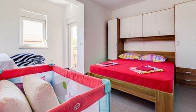 Photo for 3 Bedrooms Bright Flat with Parking (S2)