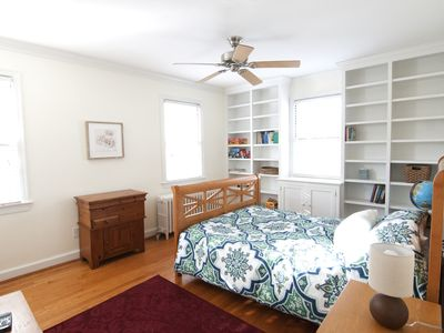Photo for 3-Bdrm Townhouse near Metro, Old Town Alexandria and Del Ray