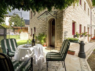 Photo for Villa Marsica B: A welcoming apartment immersed in a splendid landscape, in the heart of a wonderful little town, with Free WI-FI.
