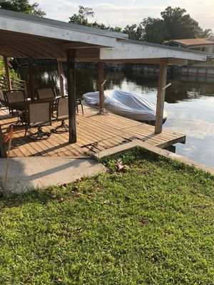 rear dock for boat  has electricity/table& chairs //chase lounge dock box seat