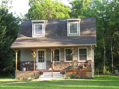 Cool Little Cottage Minutes from Beaches, Shopping and Dining