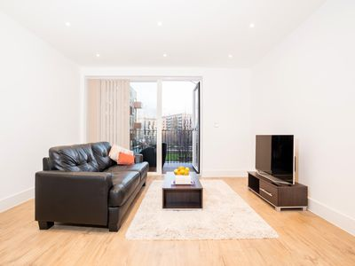 Photo for New Build Luxury Apartment *20 min to the Centre*