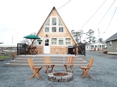Photo for Cozy A-Frame Right in Town