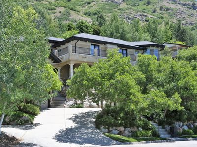 Photo for Luxury accomodations, Views, parks, skiing, fishing and 2.2 miles to BYU