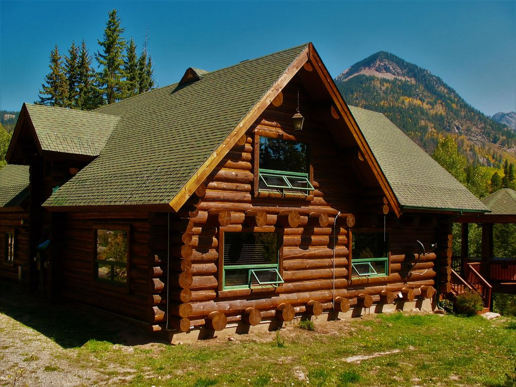 Rustic spacious log cabin w private hot tub amazing for Cabins to stay in durango colorado