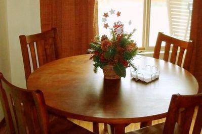 Kitchen Table with view of Bear Mountain Ski Resort