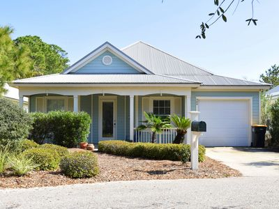 Photo for Gulf front community!! Golf cart, indoor & outdoor pools! Pet friendly!