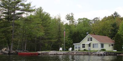 Photo for Cozy Cottage on Cobbosseecontee Lake