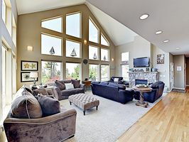 Photo for 4BR House Vacation Rental in Cloverdale, Oregon