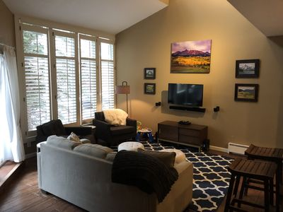 Photo for 2 bed 1.5 bath, sleeps 6, across from EagleVail Golf Club and Pavilion