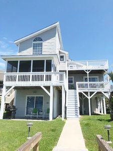 Photo for CRAV 42 Perfectly located for the true ICW lover, with spacious floor plan, short walk to the beach