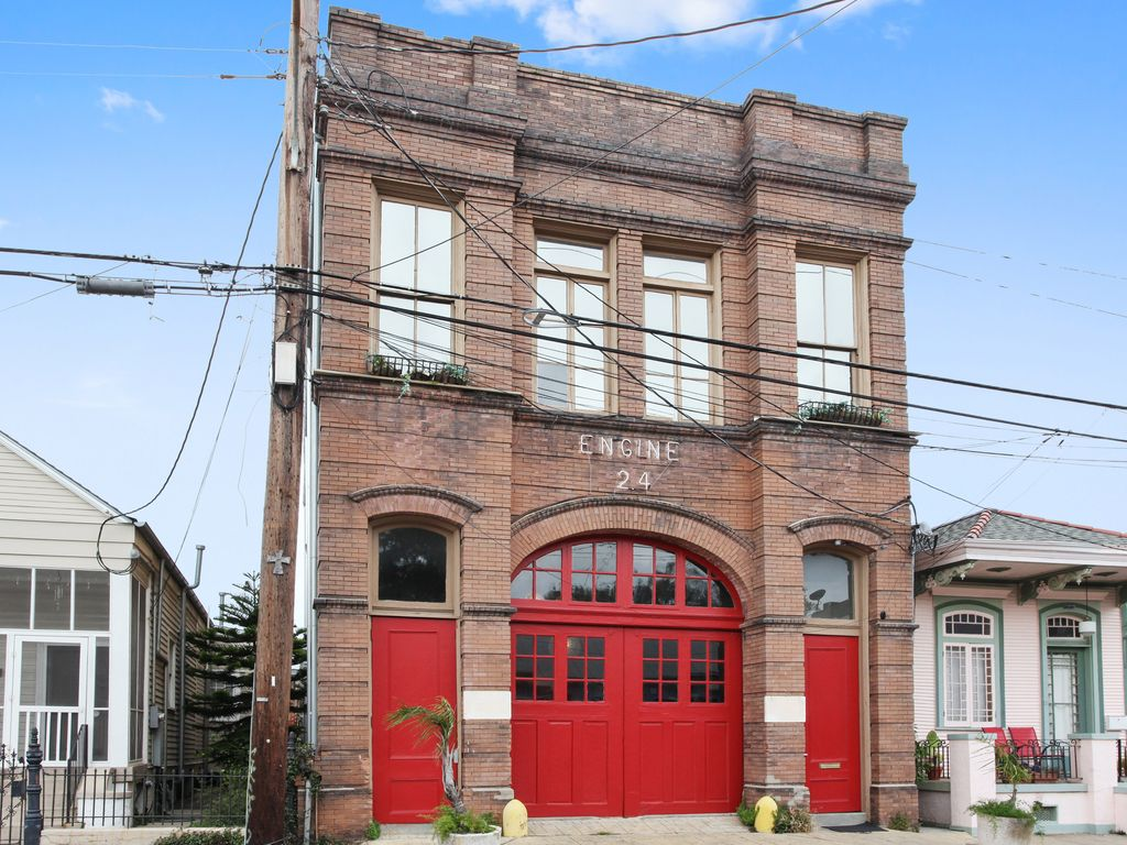 engine 24 french quarter firehouse   a uniq