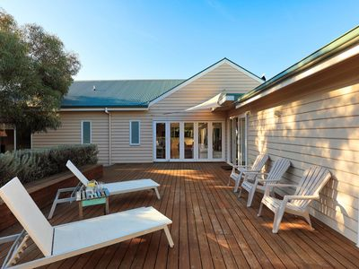 Photo for The Beach House - Quintessential Holiday House with open fireplace!
