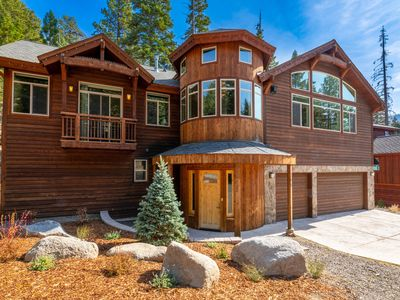 Photo for Luxury Retreat at Heavenly Boulder Lodge w/ Hot Tub - Walk to Lifts