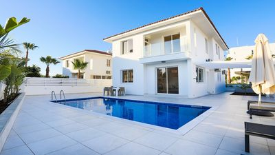 Photo for Spacious & Contemporary Villa with A/C, Private Pool located just 550 meters from Pernera Beach!