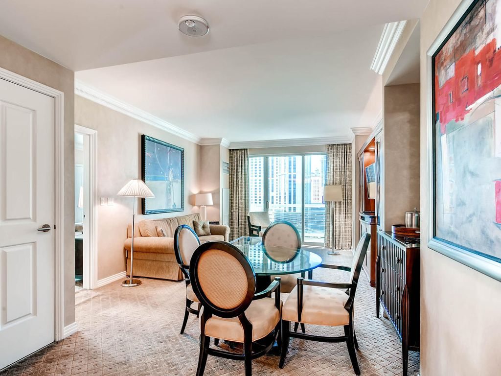 Signature One Bedroom Balcony Suite Available This Weekend Mgm Signature Homeaway Las Vegas