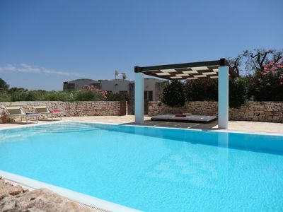 Photo for Villa, 5 bedroom with air-con, sleeps 11, warmed pool, near Ostuni, Pugli