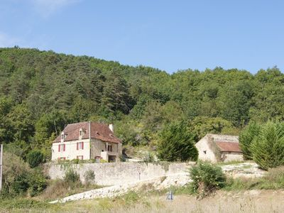 Photo for House pool between Sarlat Eyzies the tourist heart of Black Perigord
