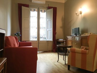 Photo for Vintage apartment with balcony in the city centre near Arc de Triomf for 5