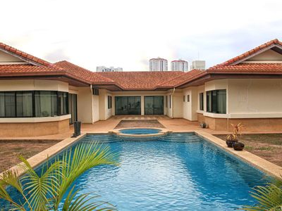 Photo for Luxury Jomtein Beach Pattaya Pool Villa - 4 bed