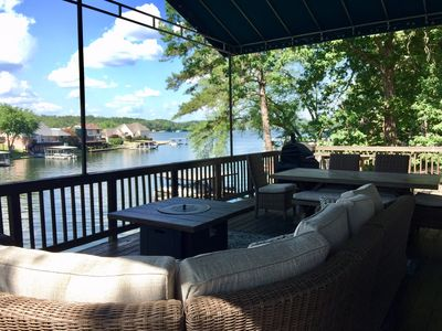 4BR/2BA And 2 Living Areas. Large Deck. Double Dock Sleeps 10