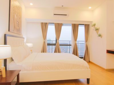 Photo for 2 Bedroom at HighEnd Milano! Makati+50Mbps+Netflix
