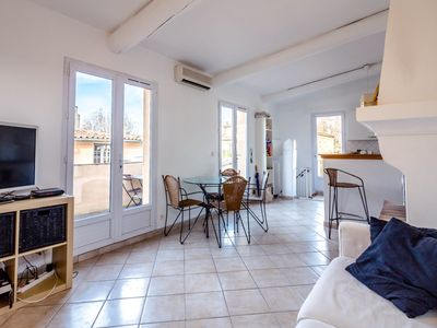 Photo for LUMINOUS APARTMENT IN THE CITY CENTER OF AIX EN PROVENCE FOR 2 PEOPLE (B)