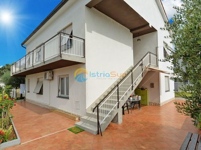 Photo for Apartment 1552/15858 (Istria - Pula), Budget accommodation, 3000m from the beach