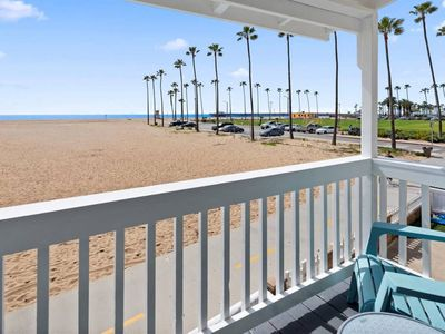 Photo for 1007 E Balboa 10 · On the sand, dream vacation! Walk to everything!10