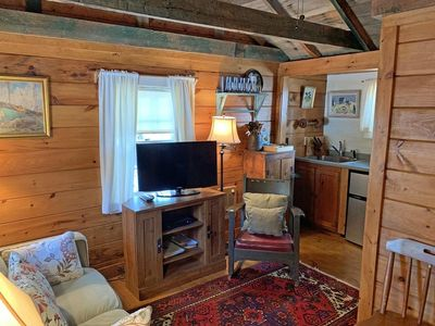 Photo for Cottage Grove #1- Cozy Pet Friendly Cottage w/ AC
