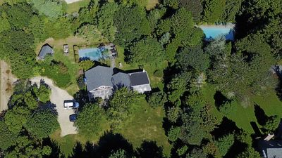Photo for Amagansett House 1 ACRE, NY 1 Mile to Atlantic Beach